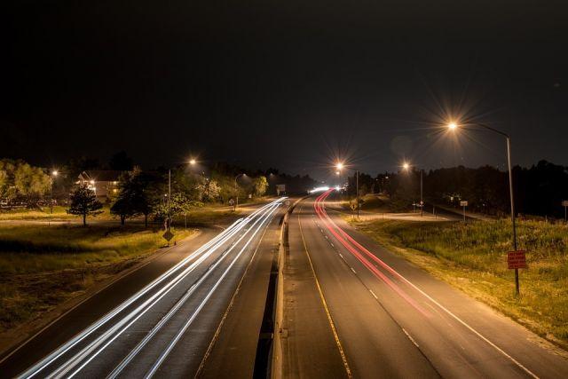 Благодаря освещению трасс снижается аварийность