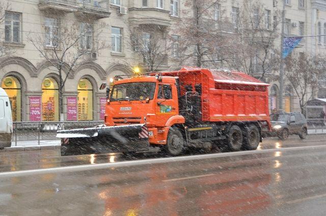 12 единиц коммунальной техники закупят для Ростова доконца года