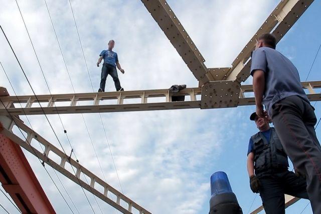 18 молодых людей покончили ссобой втечении следующего года вКрасноярском крае