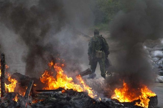 Боевики обстрелялиКП «Золотое» и«Марьинка»