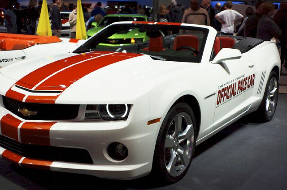 В 2011 году к 100-летию гонки Indy 500 Chevrolet выпустил 500 автомобилей, стилизованных под Camaro SS 1969 года. Один из них принадлежит Дональду Трампу.