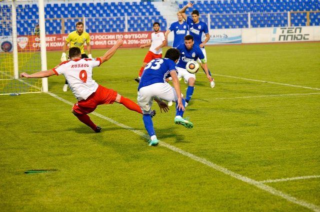 Единственный гол забили на третьей минуте матча.