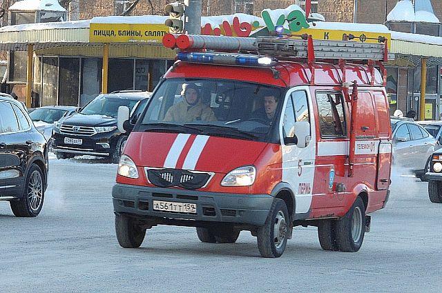 На пожар под Новосибирском выехали 5 расчетов