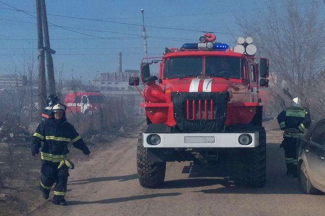 За сутки пожарные побывали на одной улице дважды