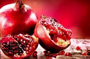 Гранат полезен при малокровии и болезнях желудка.
