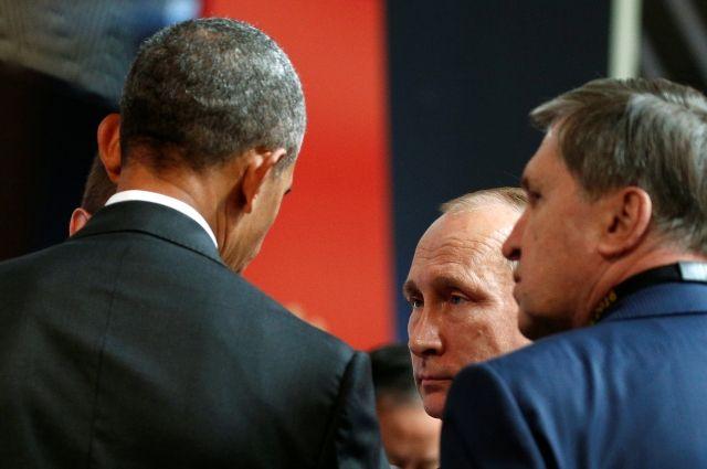 Обама призвал В. Путина выполнять Минск— Четырехминутный разговор