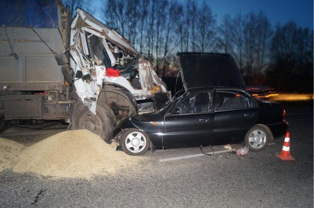 30-летний мужчина умер вДТП сучастием 3-х авто вТатарстане