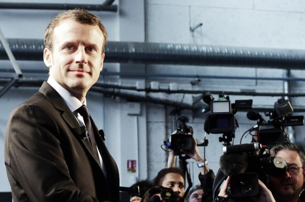 Бывший министр экономики Франции Эммануэль Макрон также заявил о своем участии в президентской гонке.