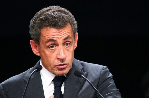 Бывший президент республики Николя Саркози, набравший 20,9%, после объявления результатов праймериз снял свою кандидатуру с предвыборной гонки.