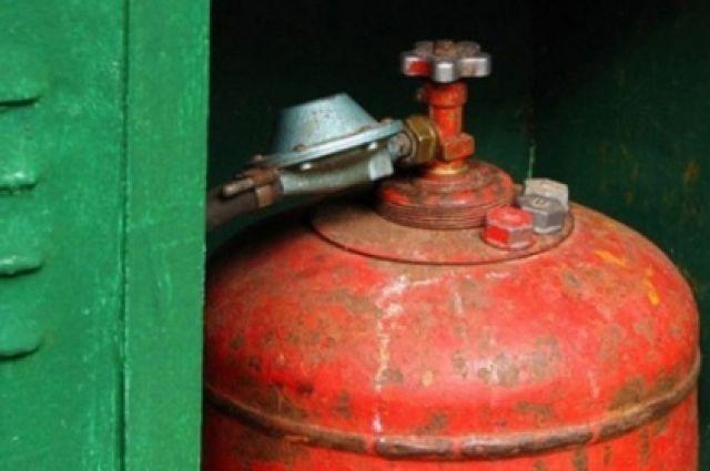 Воспламенился газовый баллон.