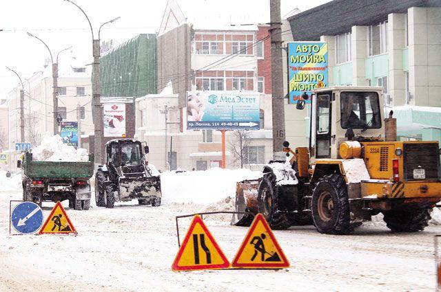 Коммунальные службы не справляются с последствиями снегопадов.