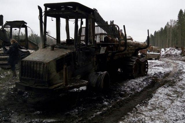 НаВологодчине сожгли лесозаготовительную технику
