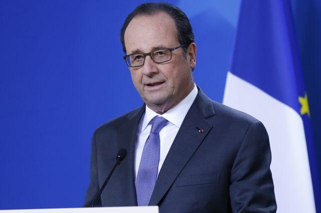 ВоФранции открыли расследование поделу разглашения Олландом гостайны