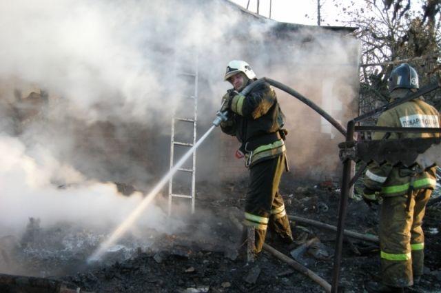 В ликвидации последствий пожара были задействованы  семь человек и  две единицы техники.