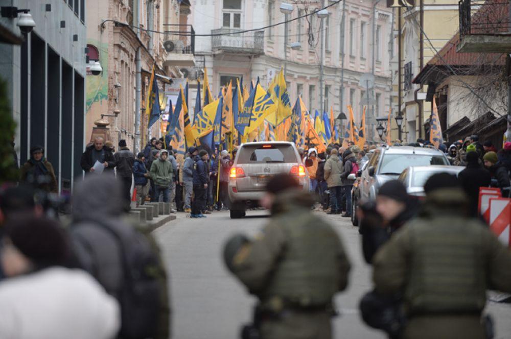 Впоследствии Майдан стал центром противостояния радикально настроенных украинцев и силовиков.