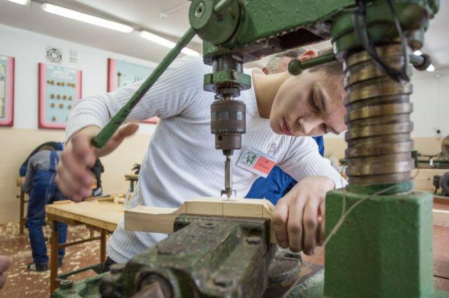 Школьники смогут попробовать себя в разных профессиях.