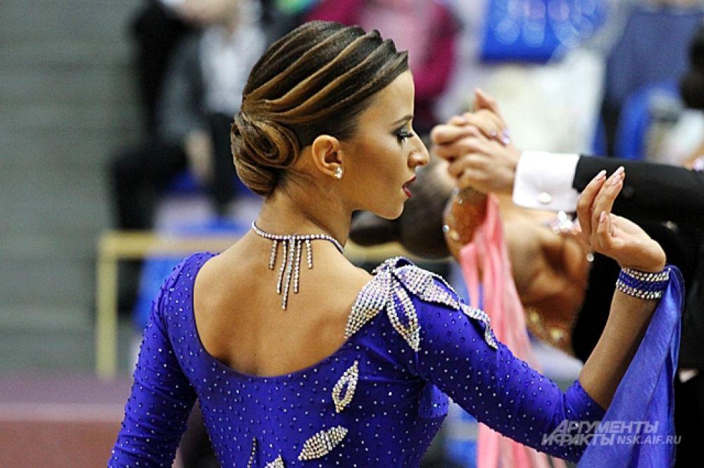 Строгое жюри оценивало танец по нескольким критериям.