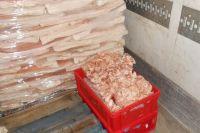 Из Польши в Калининград под видом майонеза пытались провезти почти 43 т свинины