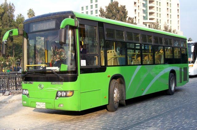 НаЛиговском проспекте автобус врезался вдве легковушки