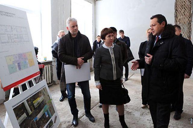 Эдхам Акбулатов подчеркнул, что в формировании доступности библиотеки нет мелочей.