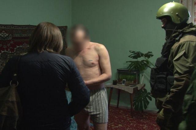 Кузбасские наркоторговцы организовали доставку клиентов натакси