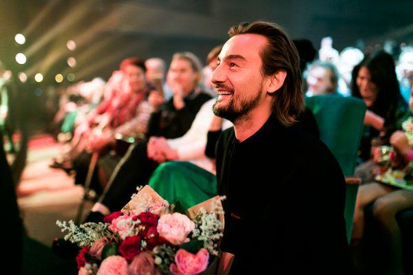 Артистку Украины заваливали цветами