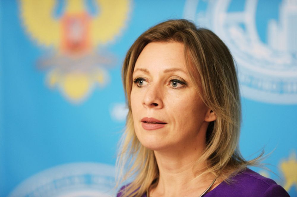 В список также попали две россиянки.В рейтинг вошла официальный представитель МИД Мария Захарова. Издание отмечает, что «она стала первой женщиной в истории, занявшей эту должность, и впечатляет своим боевым и красочным стилем».