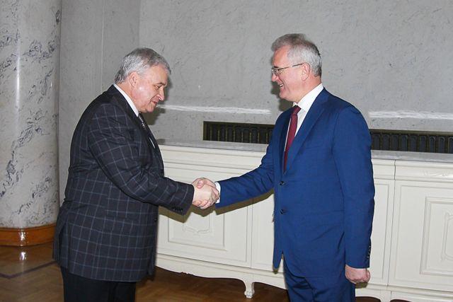 Иван Белозерцев рассказал главе посольства о том, что  КНР в современных условиях является стратегическим партнером для Пензенской области.