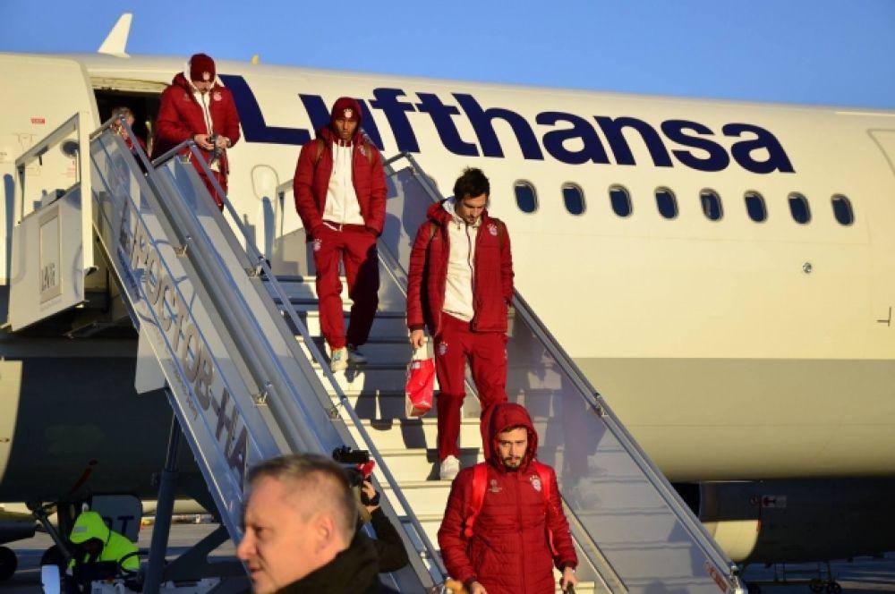 В Ростове-на-Дону их встречали не только официальные лица, но и сильный морозный ветер.