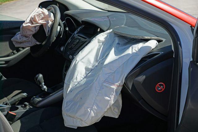 ВОмской области нетрезвый шофёр врезался встолб: пострадал ребенок