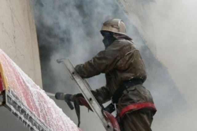 Пожар произошел на площади 12 квадратных метров.