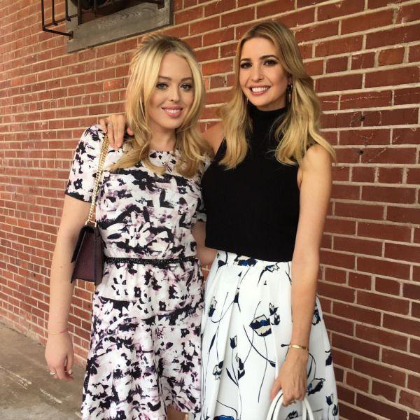 А это дочь Трампа со своей сестрой Тиффани. Обе выглядят очень стильно