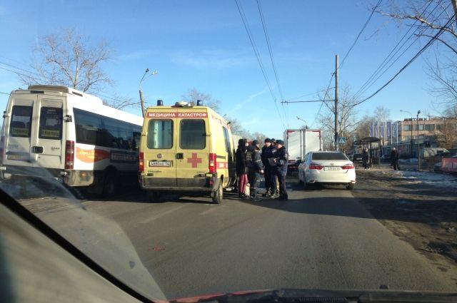Пассажирский микроавтобус столкнулся с«ГАЗелью» наМосковском шоссе 23ноября: есть пострадавшие