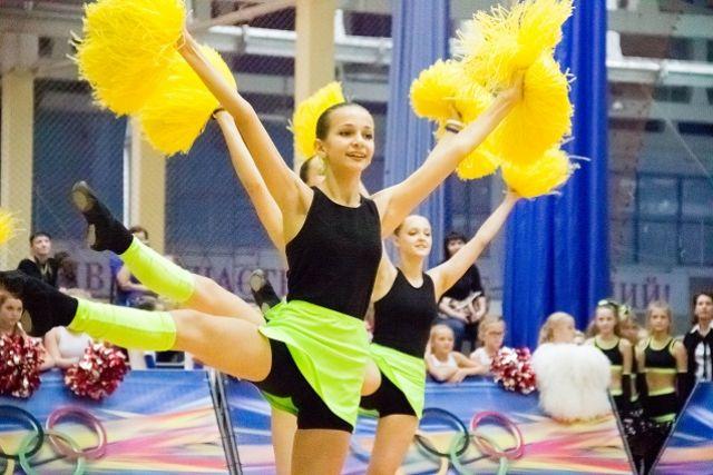 Чир-спорт - одно из популярных в Пензе направлений молодежного досуга!