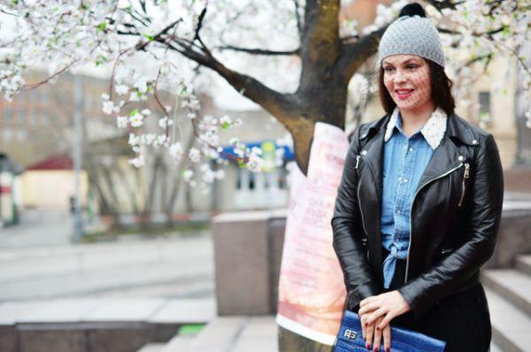 2016 год. Телеведущая Екатерина Андреева перед премьерой спектакля «Скажите, люди, куда идет этот поезд…» в театре «Современник».