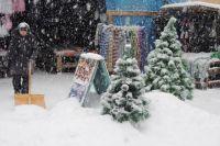 Снегоуборочной техники на улицах пока не видно.