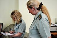 Дорогостоящую иномарку арестовали судебные приставы.