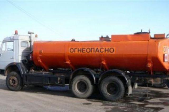 ВСоколе уехал вкювет бензовоз с5 тоннами топлива