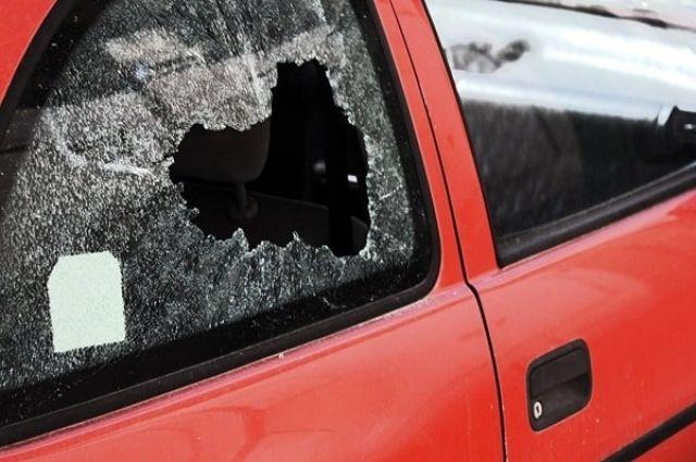 ВХарькове неизвестные напали навоенный автомобиль