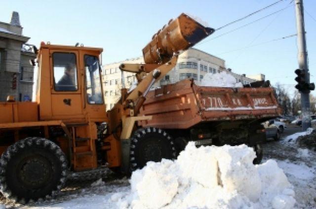 Даже при небольшом снегопаде в городе образуется около 150 тысяч куб.метров снега.