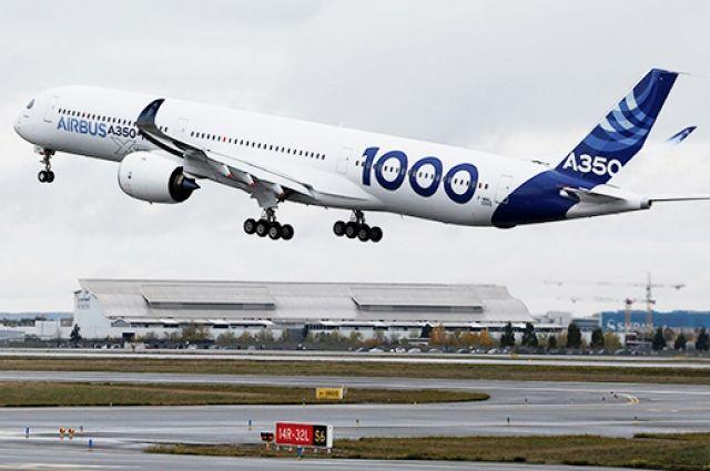 Крупнейший Airbus A350-1000 впервый раз поднялся ввоздух воФранции