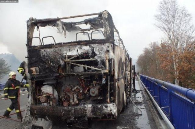 ВЧехии сгорел автобус, вкотором находились украинцы