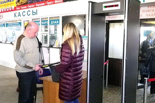 Новые рамки металлодетектора установят на автовокзале Калининграда.