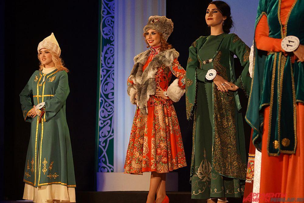 Неотъемлемой частью и, пожалуй, главным элементом гала-шоу стали яркие национальные костюмы девушек.