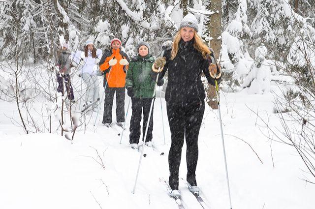 Лыжная прогулка — отличный вид отдыха.