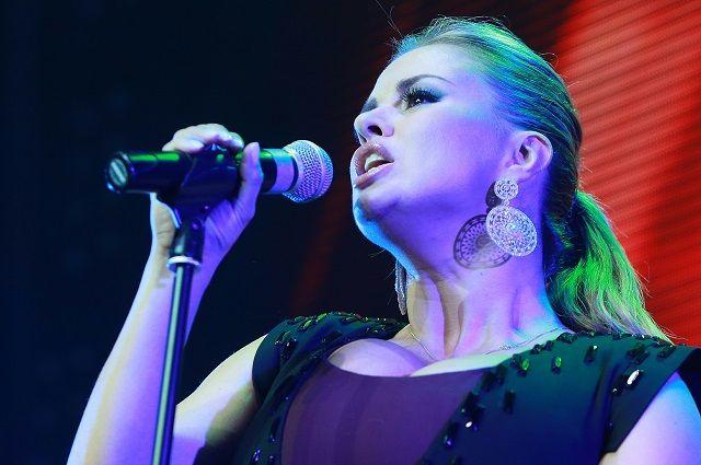 Анна Семенович приехала с концертом в Кемерово.