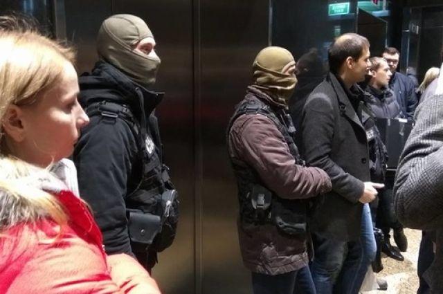 СБУ проводит обыск: «Черная» пятница встоличном ТРЦ «Гулливер»