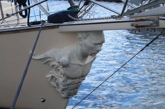 Яхта сПутиным наносу переплюнула патриотическое одеяние сПутиным-ангелом