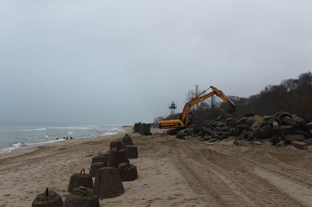 На Куршской косе начали укреплять 180 метров уязвимой части берега.