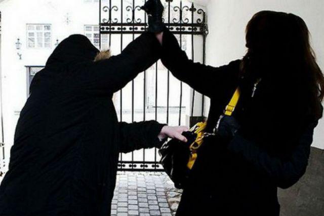 ВУльяновске задержали мужчину, подозреваемого вограблении случайной прохожей